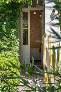 la-terrasse-de-la-chambre-Sormiou